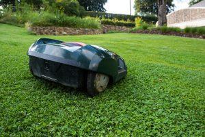 lawn-mower-414249_1920